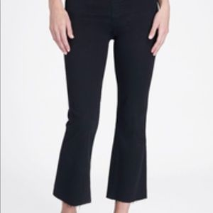 Spanx cropped Flare jeans.  2X. Med wash. NWT.
